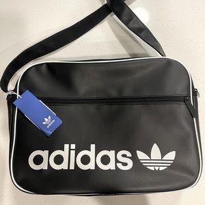 Adidas Airliner messenger bag